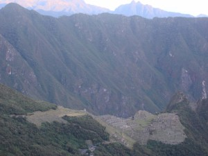 11_inca_trail_to_machu_picchu_panoramic_view_of_machu_picchu_from_inti_punku_or_sungate-copia