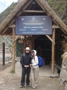 1_inca_trail_to_machu_picchu_entrance-copia